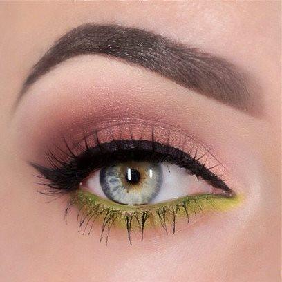 Soft Brown Eyeshadow Amp Electric Green Lowerlid Eyeliner