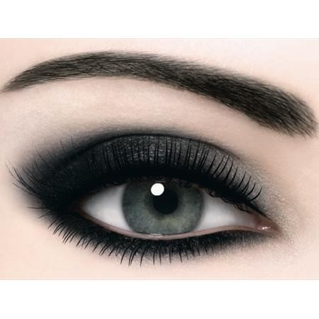 Applying Black Eyeshadow Properly Without Looking Like a ...
