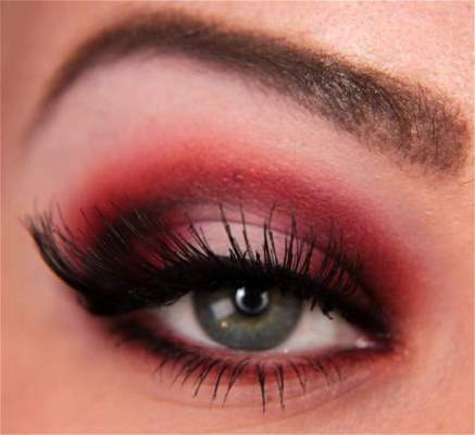 Step-By-Step Red Eyeshadow Tutorial
