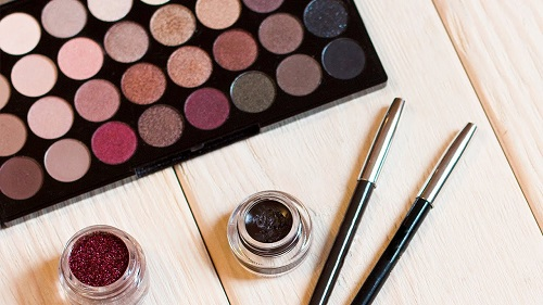 5 Eyeshadow Hacks That Will Improve Your Day