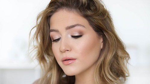Neutral Glam Holiday Makeup